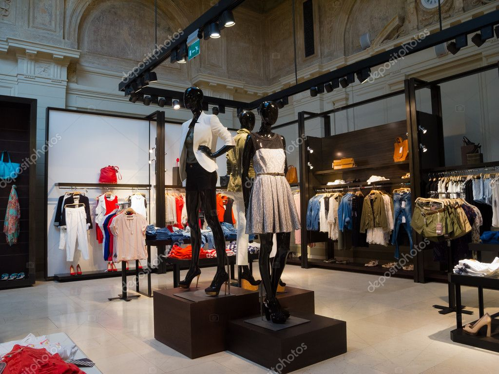 interieur van kledingwinkel — Stockfoto © toxawww #12050751