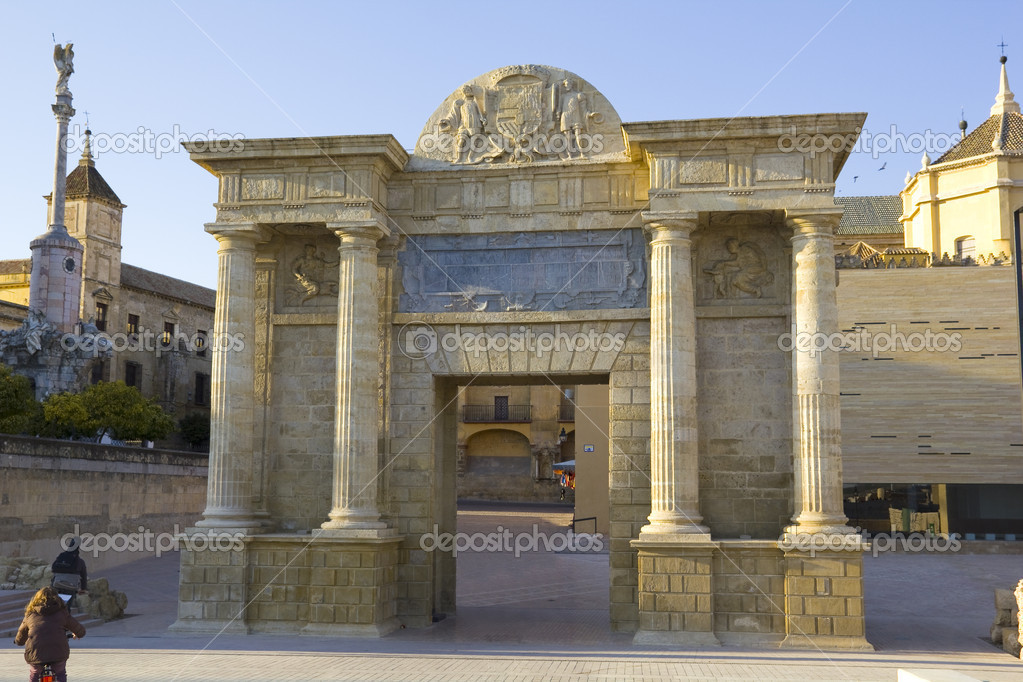 Roman door of Cordoba Bridge u2014 Stock Photo & Roman door of Cordoba Bridge u2014 Stock Photo © Toniflap #12399976