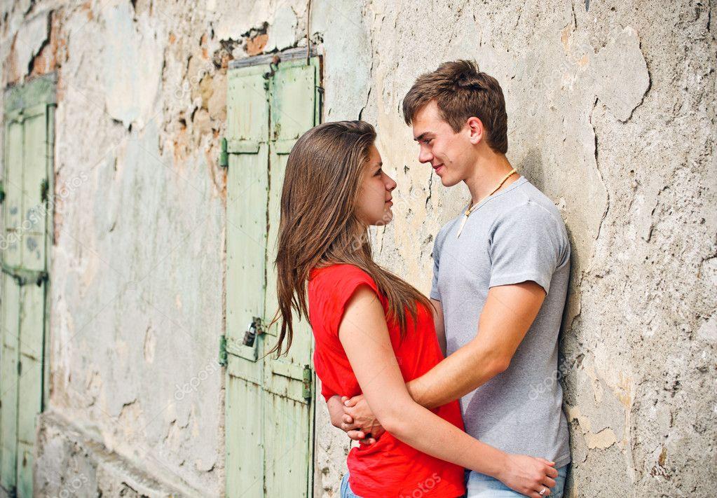 young-couple-pics