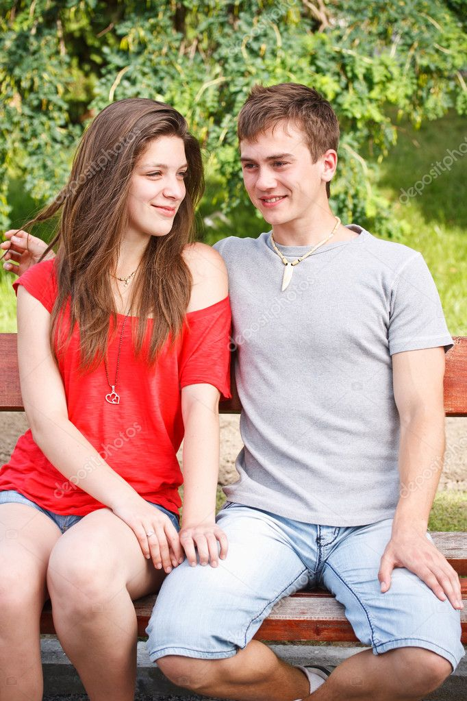 couples-whom-seduces-young-teens-galleries-naked-women-in-a-music-vedio