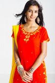 schöne indische Frau mit traditionellen sari