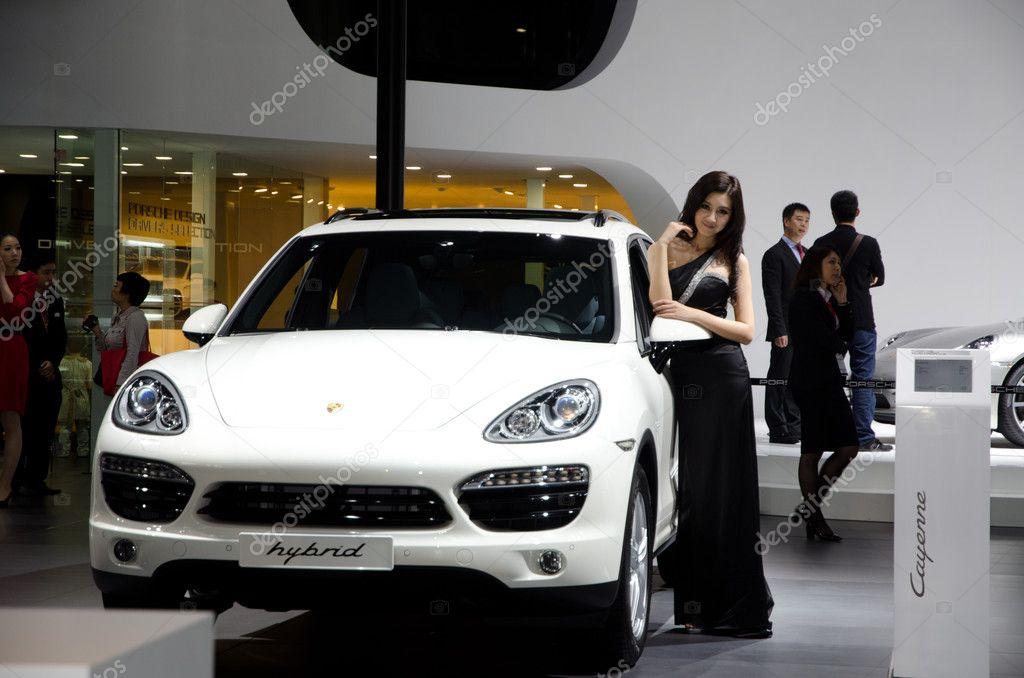 Niet Geidentificeerde Model Met Porsche Hybride Sport Auto