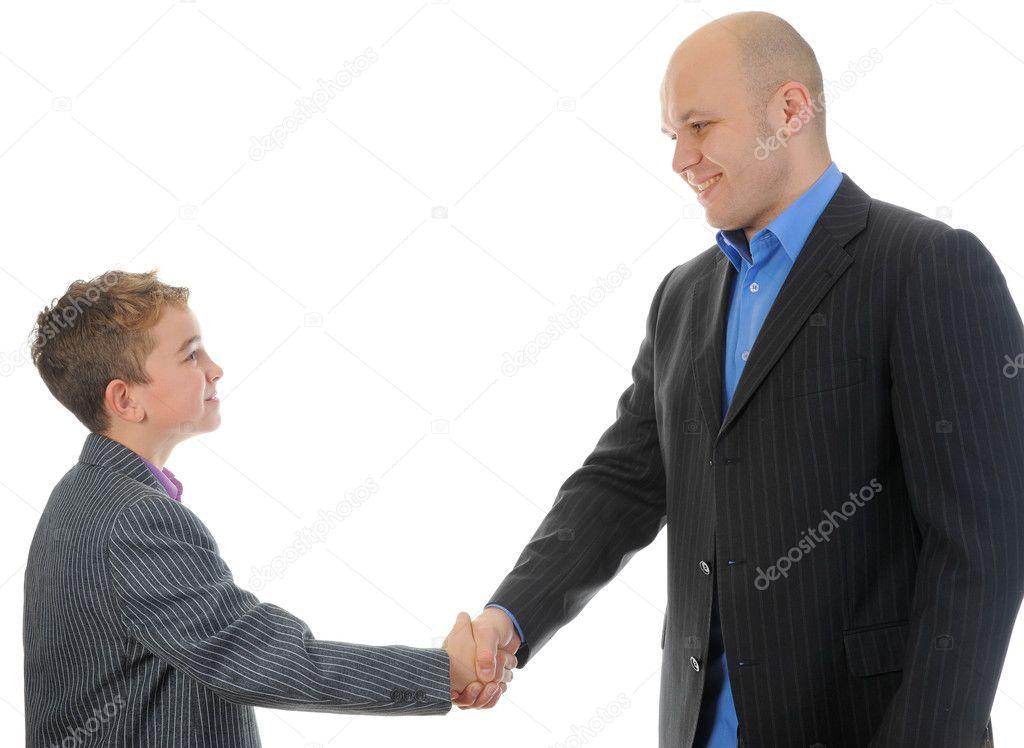 Знакомстве при первым мужчина здоровается