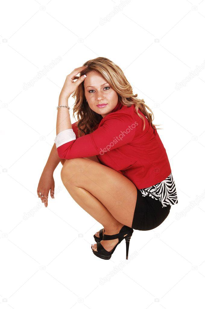 фото женщины сидя на корточках-эф2