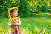 Mädchen mit Blumen Kopf Kranz