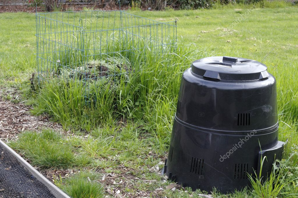 Garten Kompost und Stapel — Stockfoto © serenethos #11350811