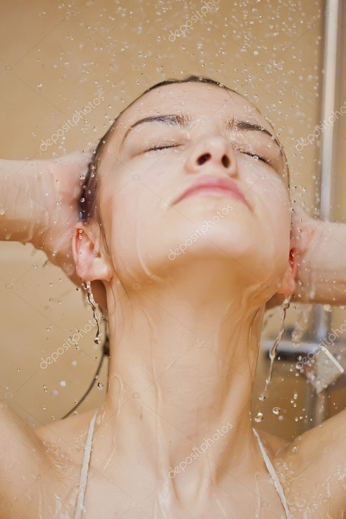 Young girl taking showers — pic 14