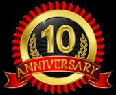 10 let výročí zlatý štítek s pásky, vektorové ilustrace