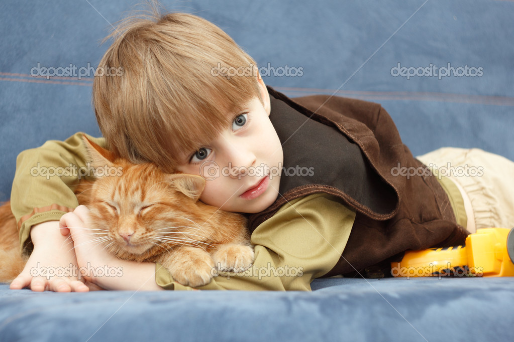 Kitten and child best friends