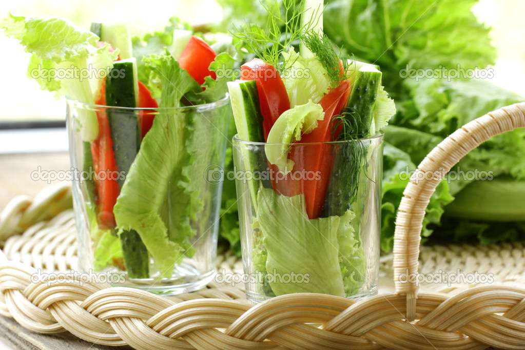аппараты как подать овощи в стакане кукол