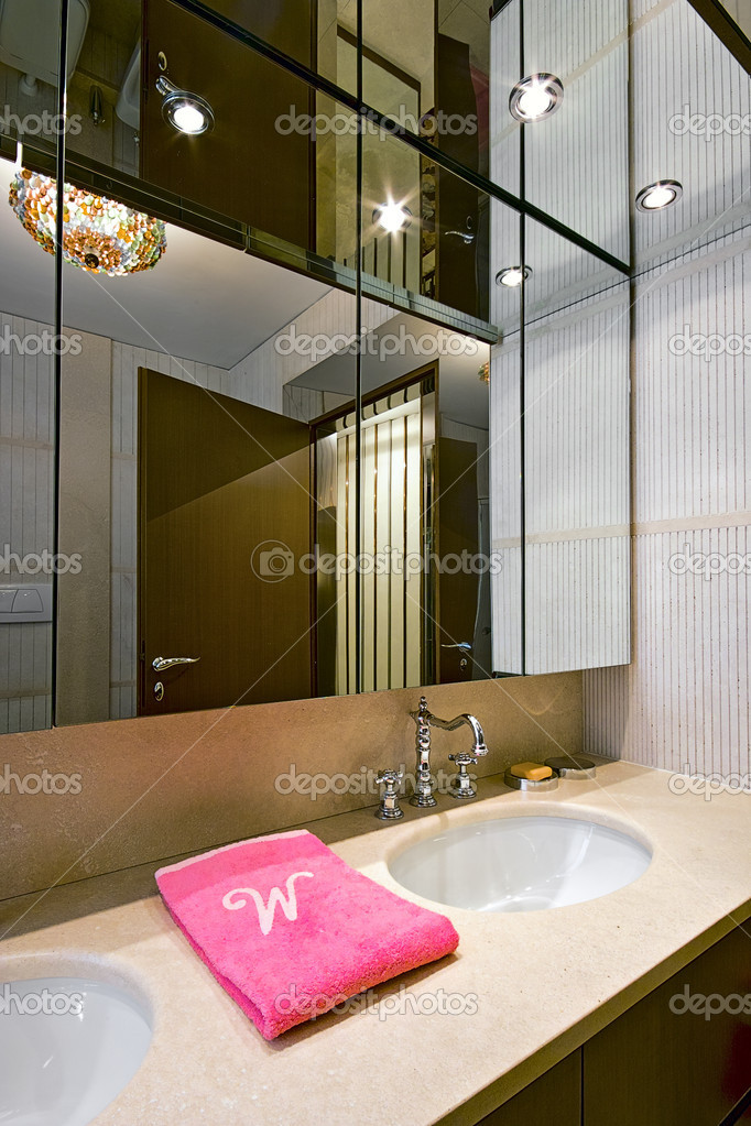 klassische Badezimmer — Stockfoto © aaphotograph #12223562