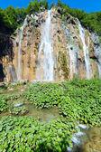 Velký vodopád v národním parku Plitvická jezera (Chorvatsko)