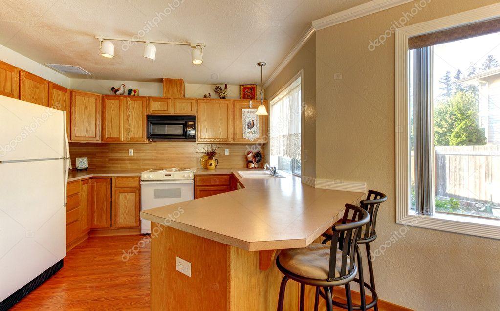 Plancher cuisine bois de la cuisine avec cramique et for Cuisine plancher bois