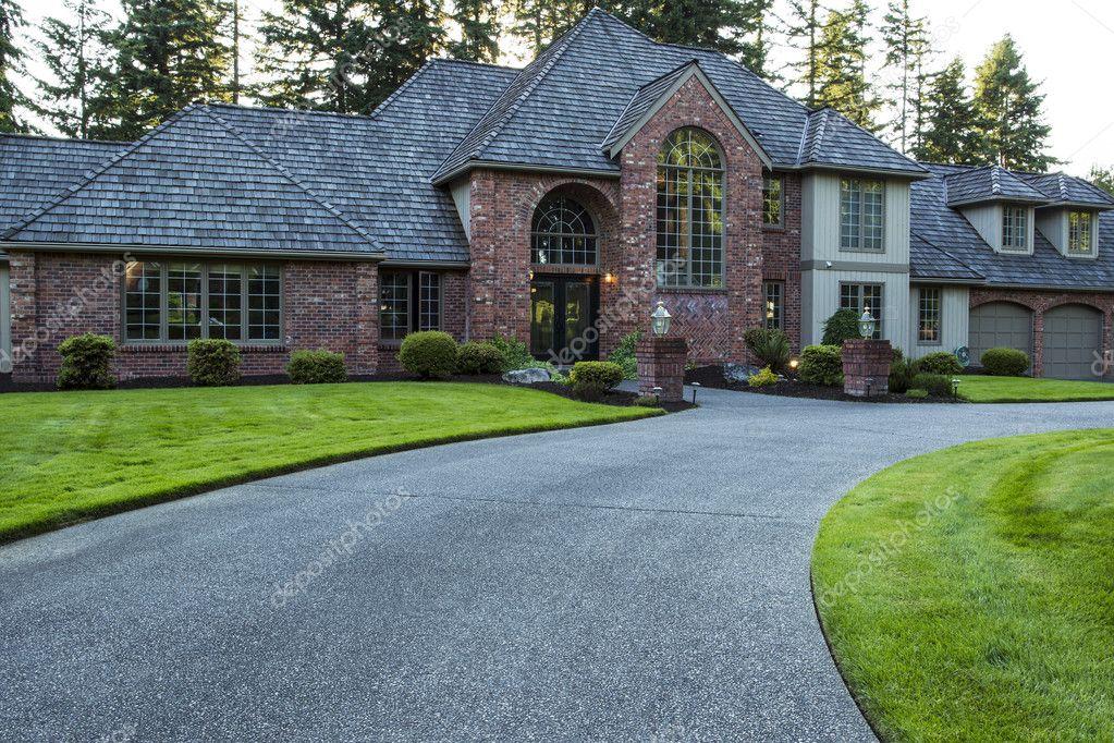 Modern huis in de zomer u2014 stockfoto © tab62 #11501588