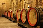 Photo Wine barrels in cellar