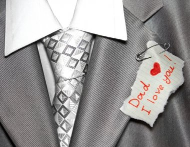 Closeup note for father pinned by a pin