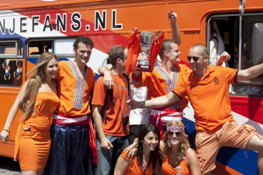 Fans of the Netherlands with the layout Cup