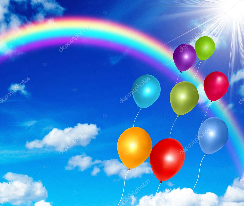 Красочные воздушные шары на фоне голубого неба — стоковое фото