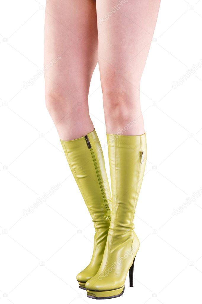 d0ff0f3cca2 Par vackra långa ben i gröna stövlar med höga klackar — Stockfoto
