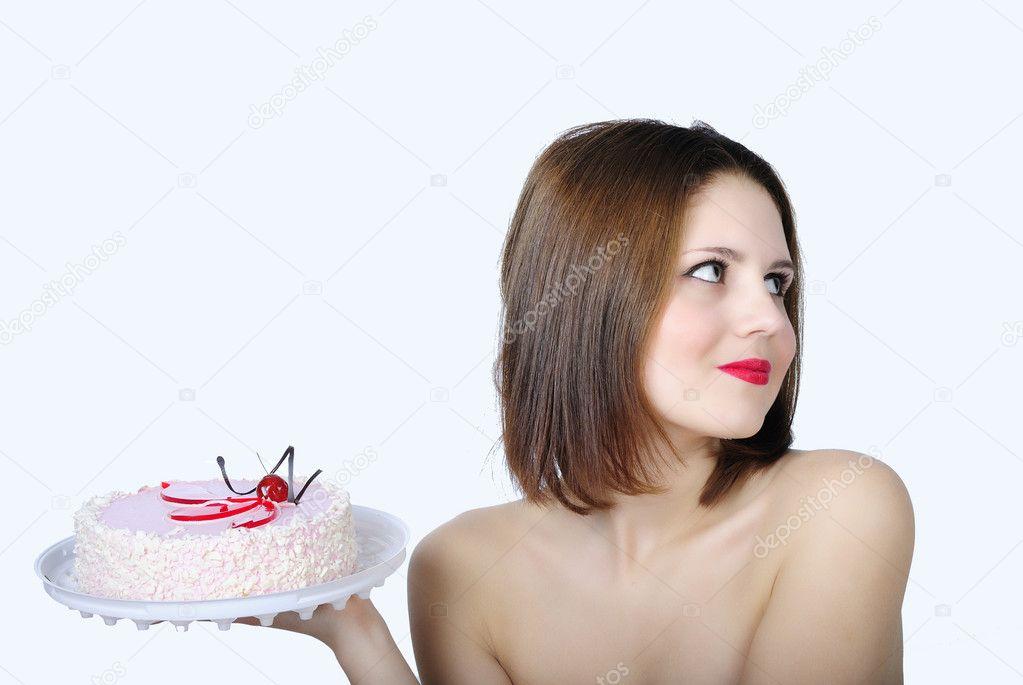 голая девушка с тортом в руках когда сегодня играл