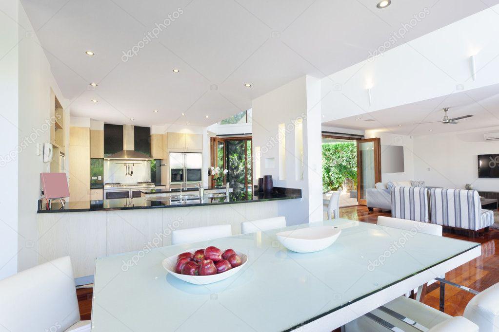 Modern huis interieur u2014 stockfoto © epstock #11636564