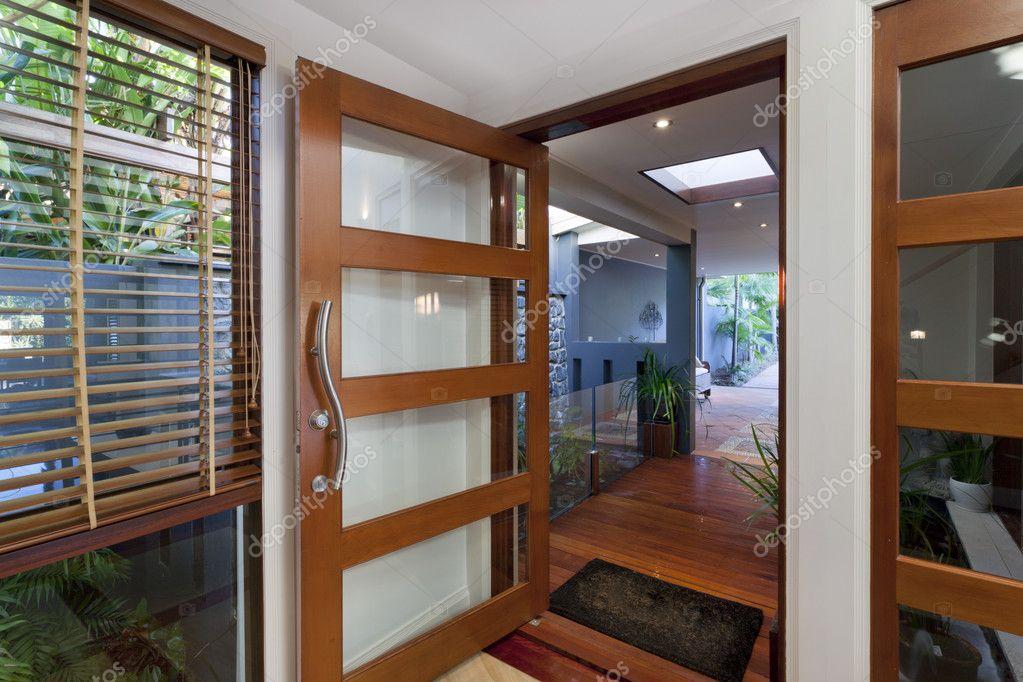 Moderne home ingang u2014 stockfoto © epstock #11636565