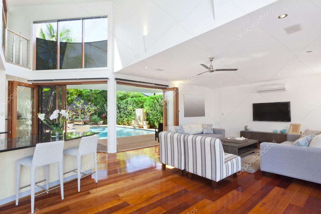 Moderne luxusvilla innen  haus innen — Stockfoto #11636566