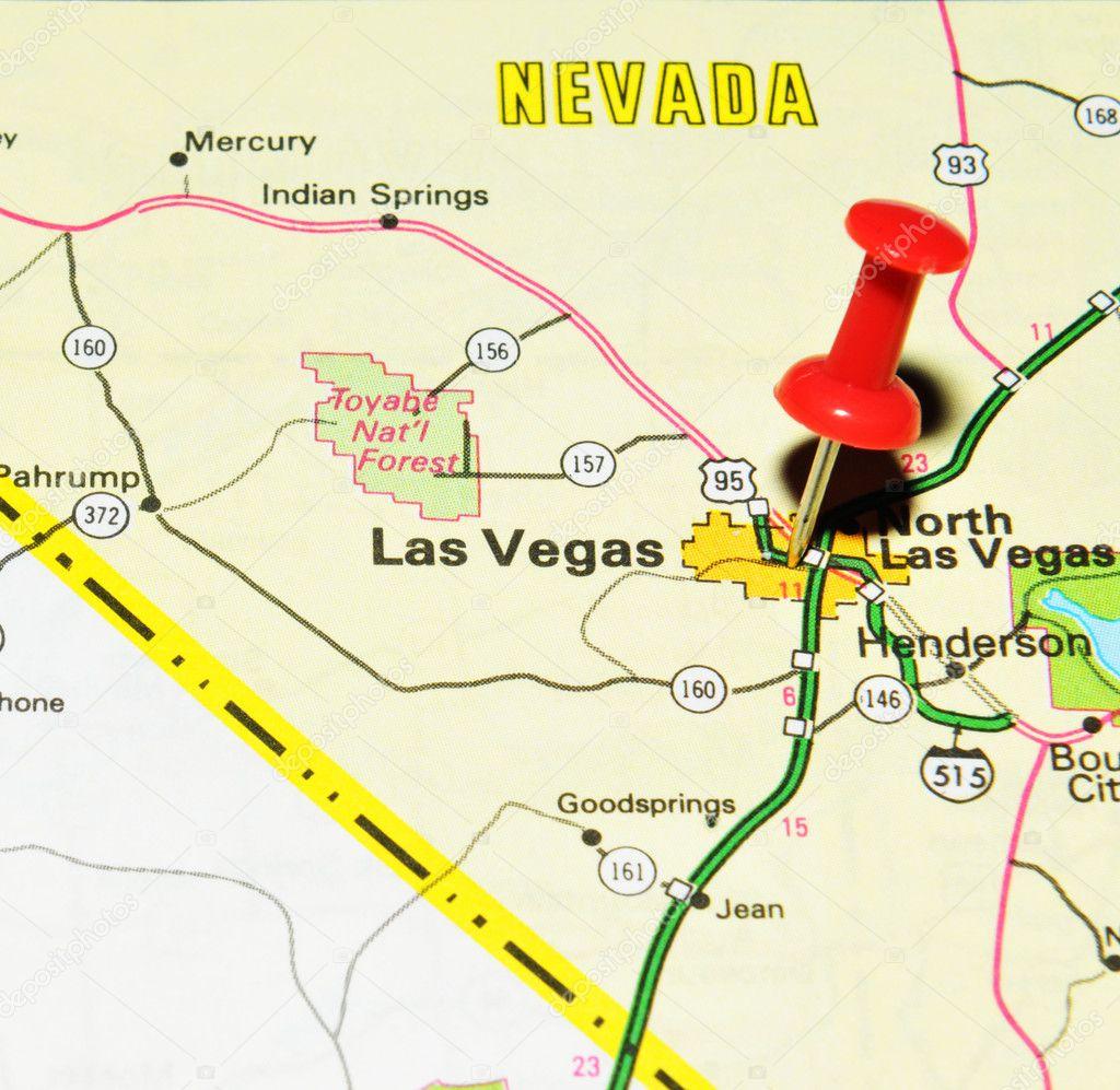 Cerrar El Mapa Con Pushpin Foto De Stock C Lucianmilasan 11561238