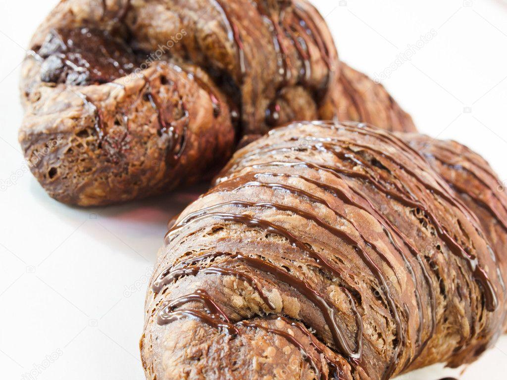 Çikolatalı Reçelli Kruvasan