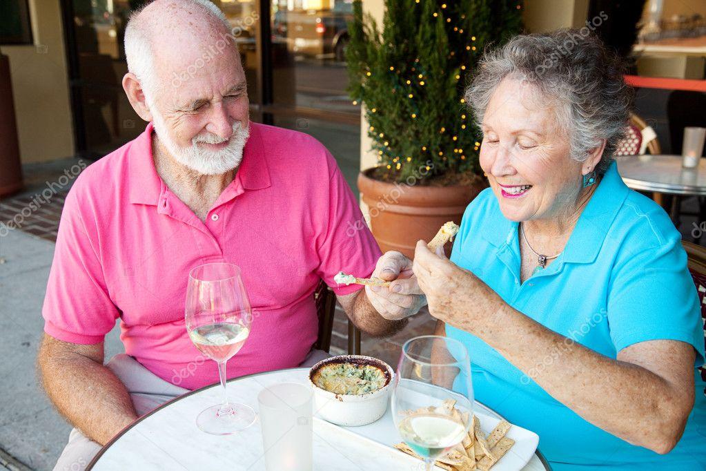 хорошие сайты знакомств для пожилых