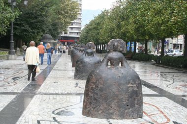 Las Meninas by Manolo Valdés in Oviedo, Asturias