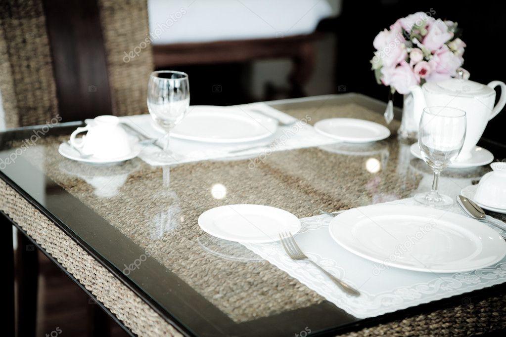 Vintage stijl van eetkamer met tafel en stoelen u stockfoto