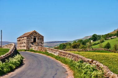 Picturesque English country road
