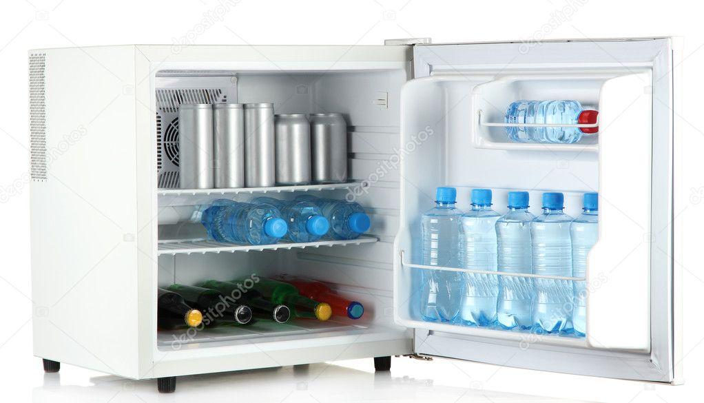 Mini Kühlschrank Glas : Mini kühlschrank voller flaschen und gläser mit verschiedenen