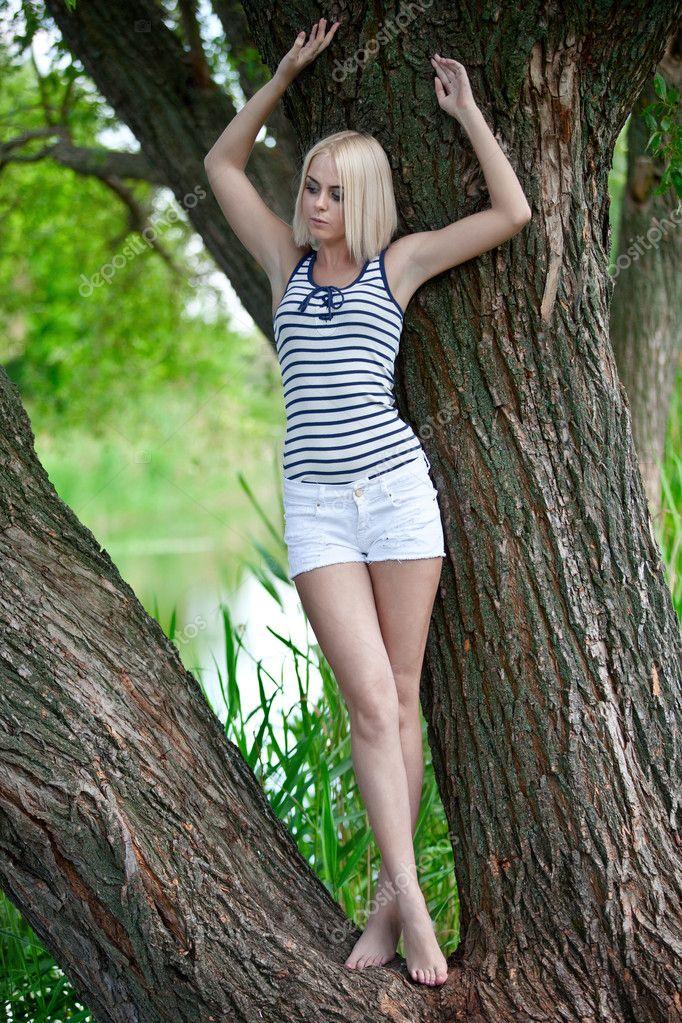 Девушка или дерево