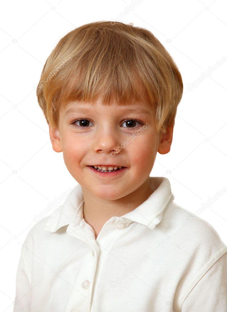 4c6f8d6c1 Hermoso niño rubio sonriendo — Foto de Stock · Chico guapo vestido con una camisa  blanca. aislado en blanco — Foto de mgfoto