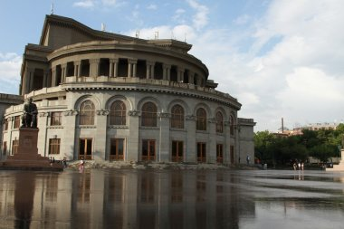 The building of Yerevan state theatre of opera and ballet, architect Aleqsandr Tamanyan, 1936
