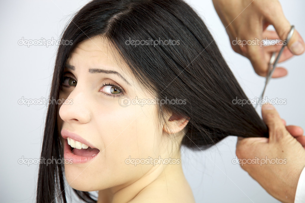 Como se corta un pelo largo