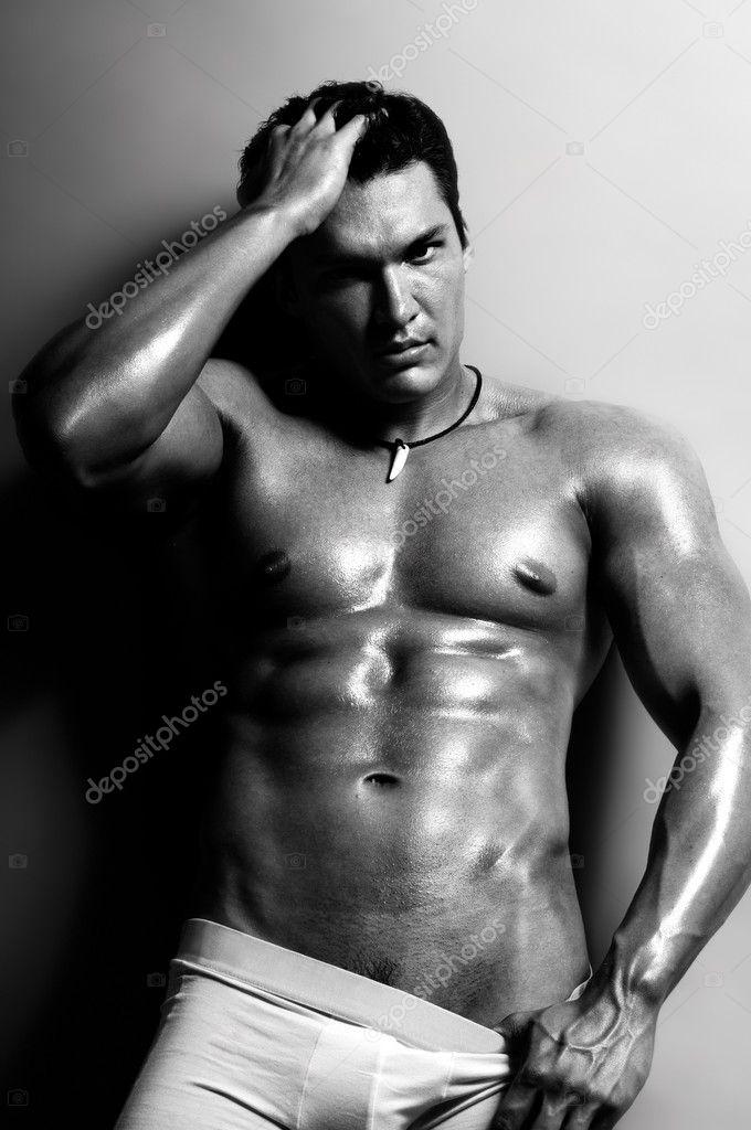 Черный мужчина для сексуального обслуживания дам