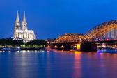 Fotografie Ansicht der Nacht Köln über die rein