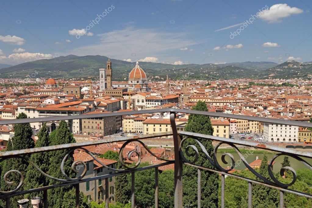 fantastica vista della città di Firenze — Foto Stock ...