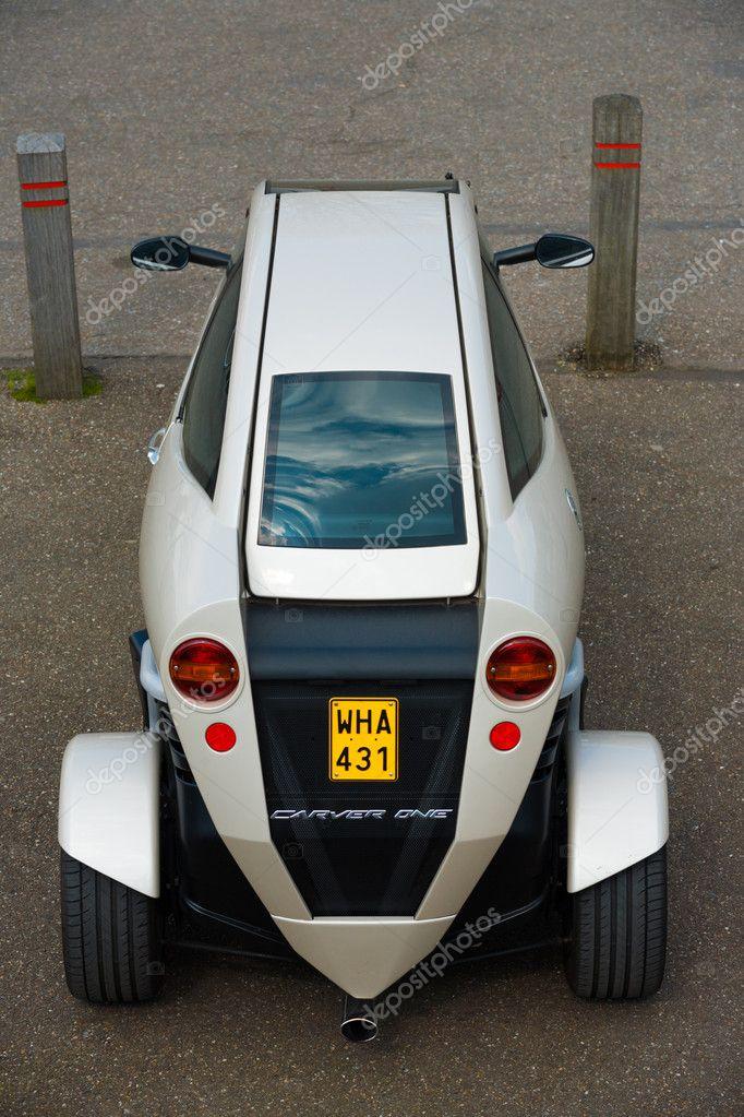 Carver Een Achterste Hybride Auto Motorfiets Redactionele