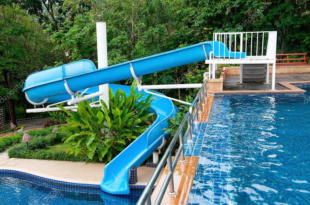 Lo scivolo d 39 acqua di piscina foto stock cbenjasuwan 11481573 - Acqua orecchie piscina ...