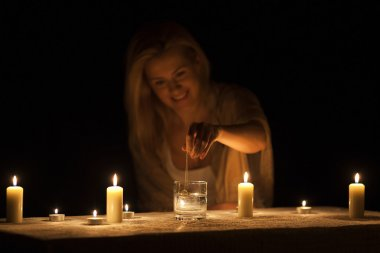 Divination by candlelight