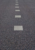 Asfaltová silnice označení pruhy