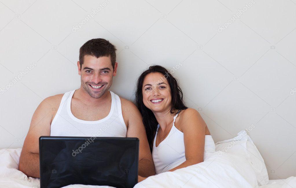 с камерой в постели супруги дело надо