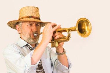 Jazzman in a hut