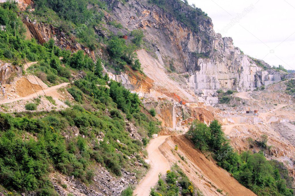 Carrara Marmor carrara marmor steinbruch carrara marble pit 11 stock