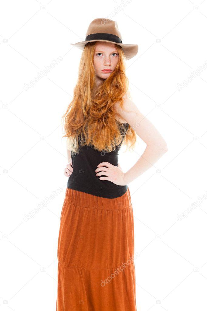 b658c176050e όμορφο κορίτσι με μακριά κόκκινα μαλλιά
