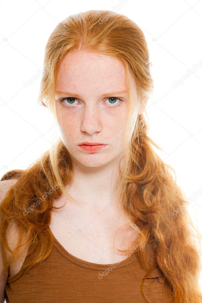 h bsches m dchen mit langen roten haare tragen braune hemd w tend zu suchen mode. Black Bedroom Furniture Sets. Home Design Ideas